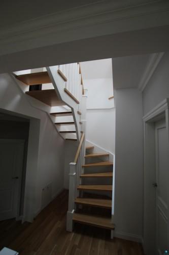 drewniane-schody-schodek