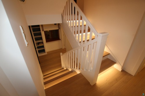 schody-z-porecza-schodek